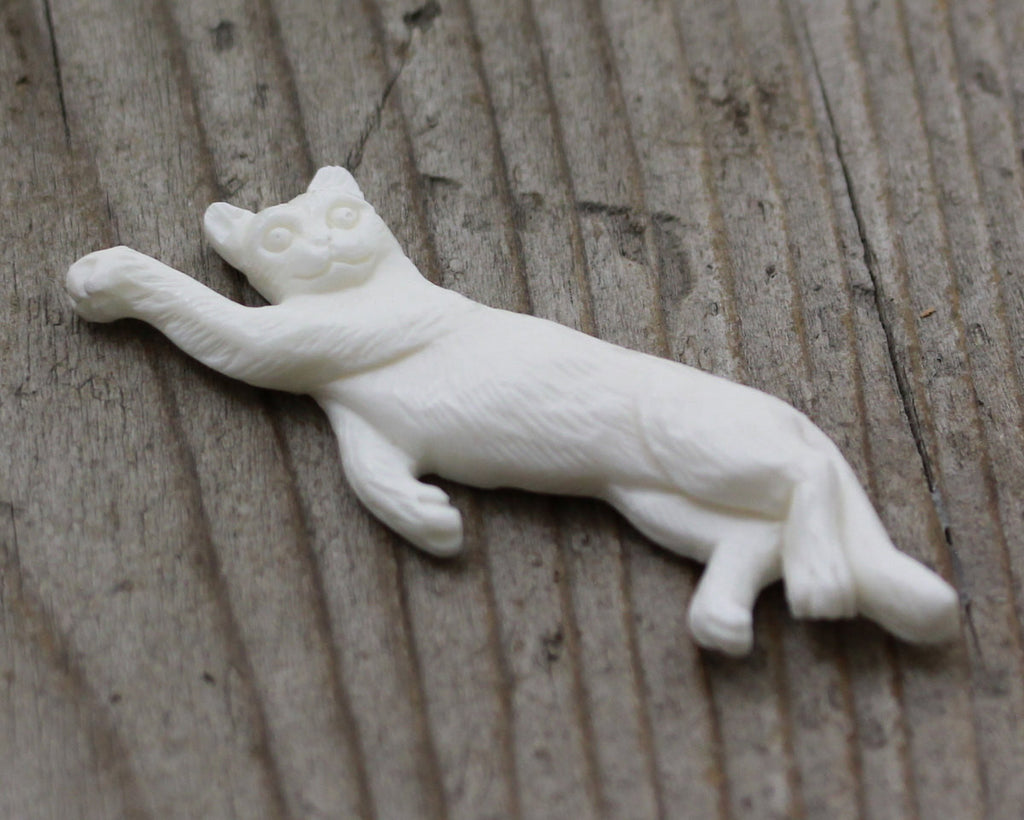 Cat Lover Pendant, Hand Carved Recycle Bone, Cat Charm, Detailed Bone Carving, Gift Idea for Birthday Presents, DIY Arts and Crafts B167