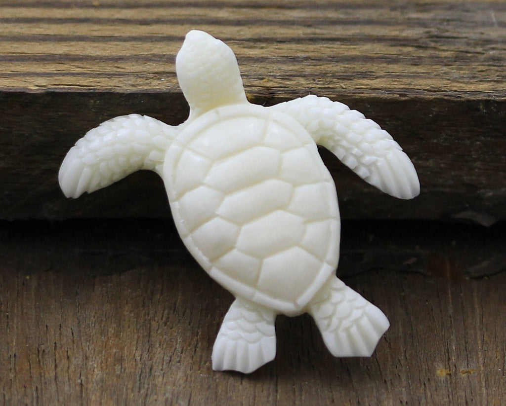 Sea turtle carving jewelry accessories and organic