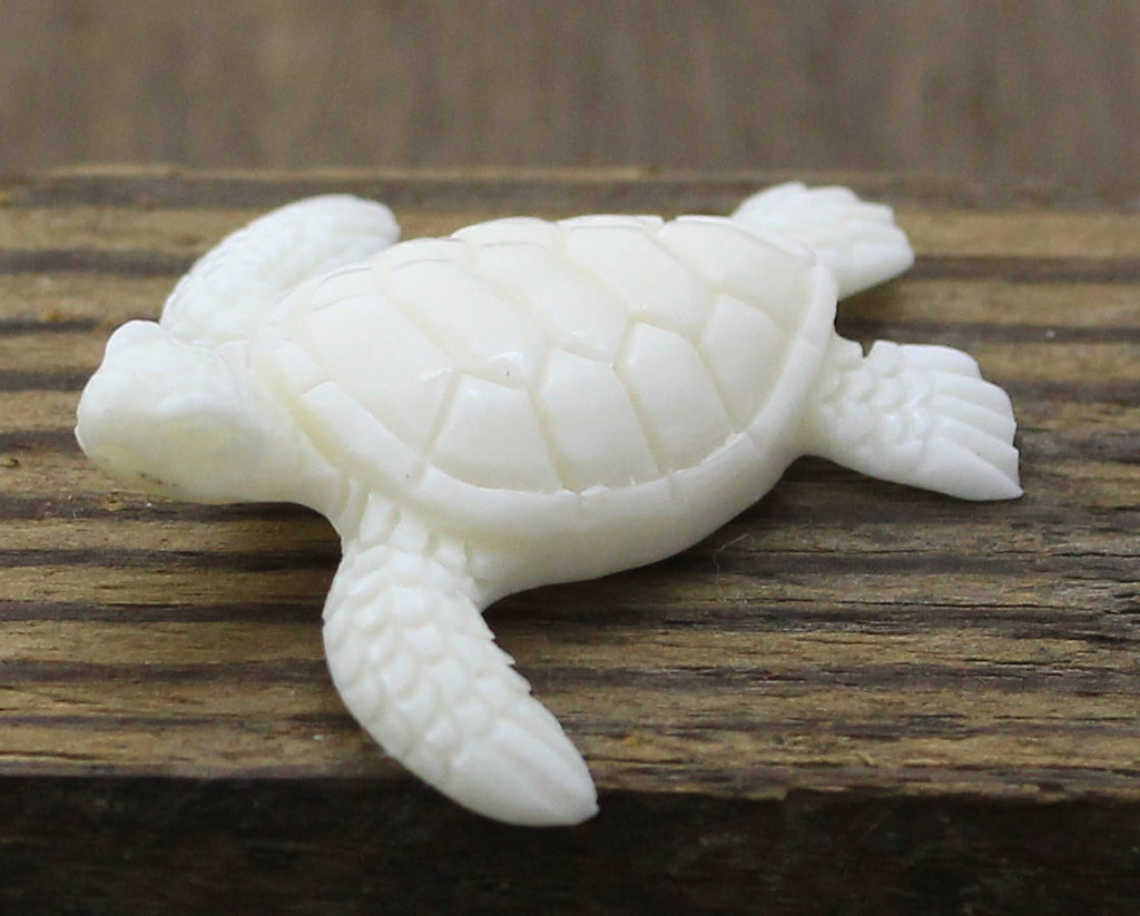 Sea Turtle Carving - Jewelry Accessories and Organic Designs, Real Buffalo Bone, Miniature Turtle Gift for Kids, Marine Life Necklace B228
