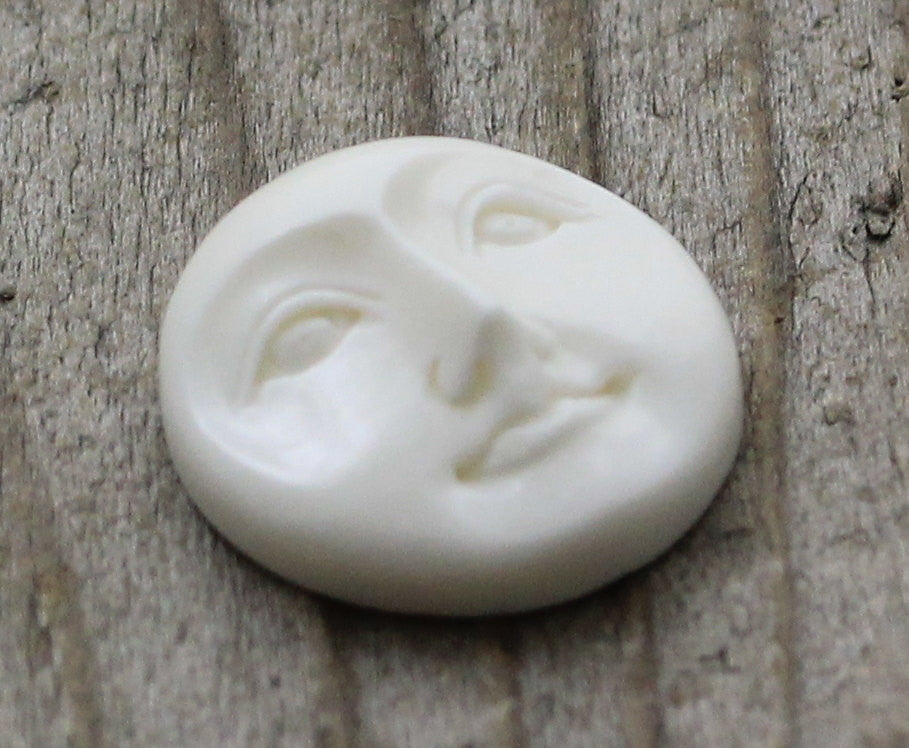 Hand Carved Bone, Moon Face Cabochon, Round Cabochon, Carved Recycle Buffalo Bone, Flat Back Cab for Bezel Setting, Eyes Open - 20mm B066