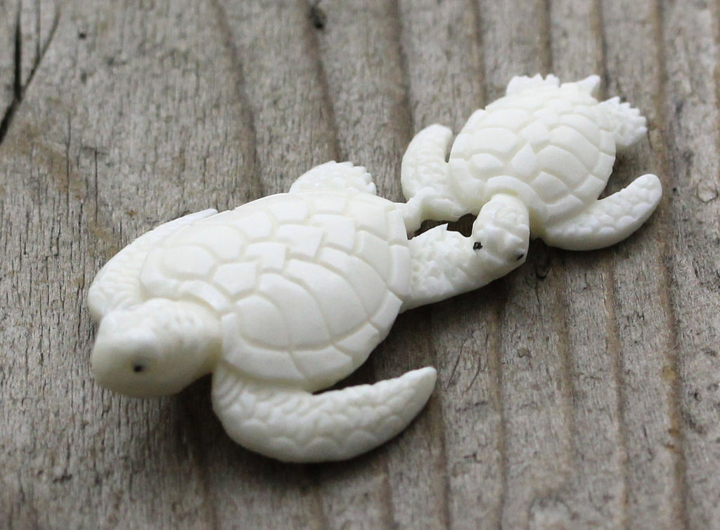 Carved Sea Turtle Pair - Mother & Baby, Animal, Native American Sea Life, Ocean, Hand Carved Bone, Pendant Necklace, Turtle Lover Gift B149