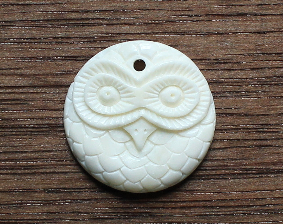 Carved Bone, Owl Cameo Drilled Pendant Gothic Tribal Boho Gypsy Jewelr, Fantasy Animal Jewellry Harry Potter Quality Wholesale Carvings B110