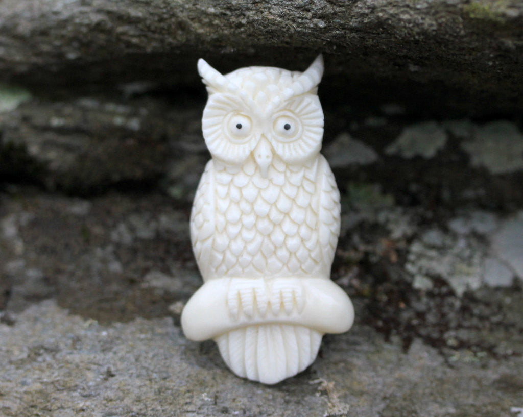 Bone Carving, Bird Sculpture, Miniature Owl Charm - Magic Mystery and Ancient Knowledge -Wholesale Jewelry Making Supplies, B108
