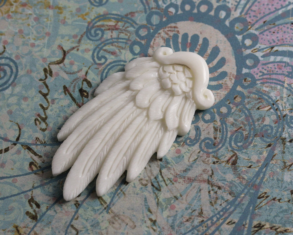 Excellent Quality, Beautiful Feather Pendant, Carved Angel Wing, Tribal Jewelry Carved Bone, Finding Organic Wholesale Supply  B141