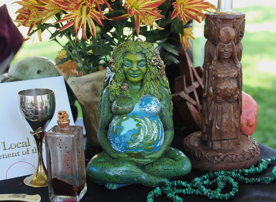 A Guide to Pagan Altars