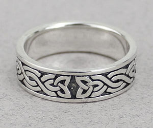 Triquetra Band Ring