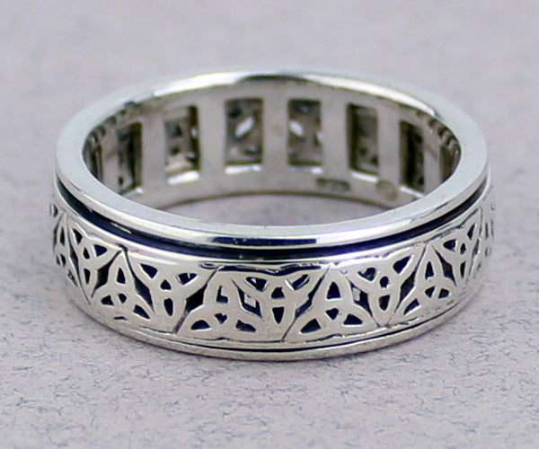 Triquetra Spinner Ring