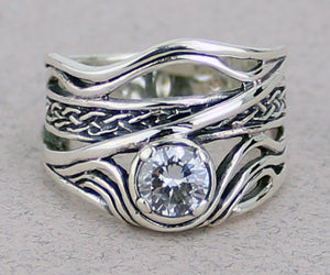Celtic Weave Ring with Gemstone -- DragonSpace