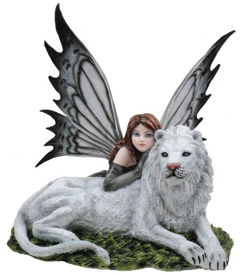 Leonia Fairy with White Lion