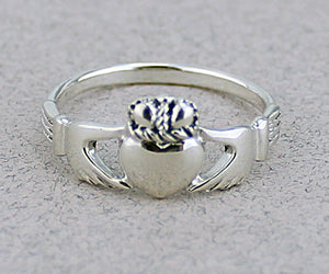 Claddagh Ring -- DragonSpace