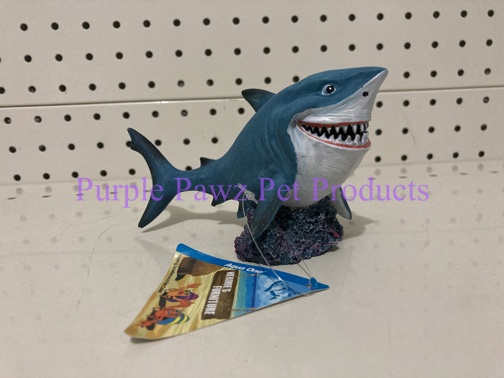 ~AQUA ONE / SHARK / AQUARIUM ORNAMENT / 14.2CM x 6.7CM x 7.4CM~