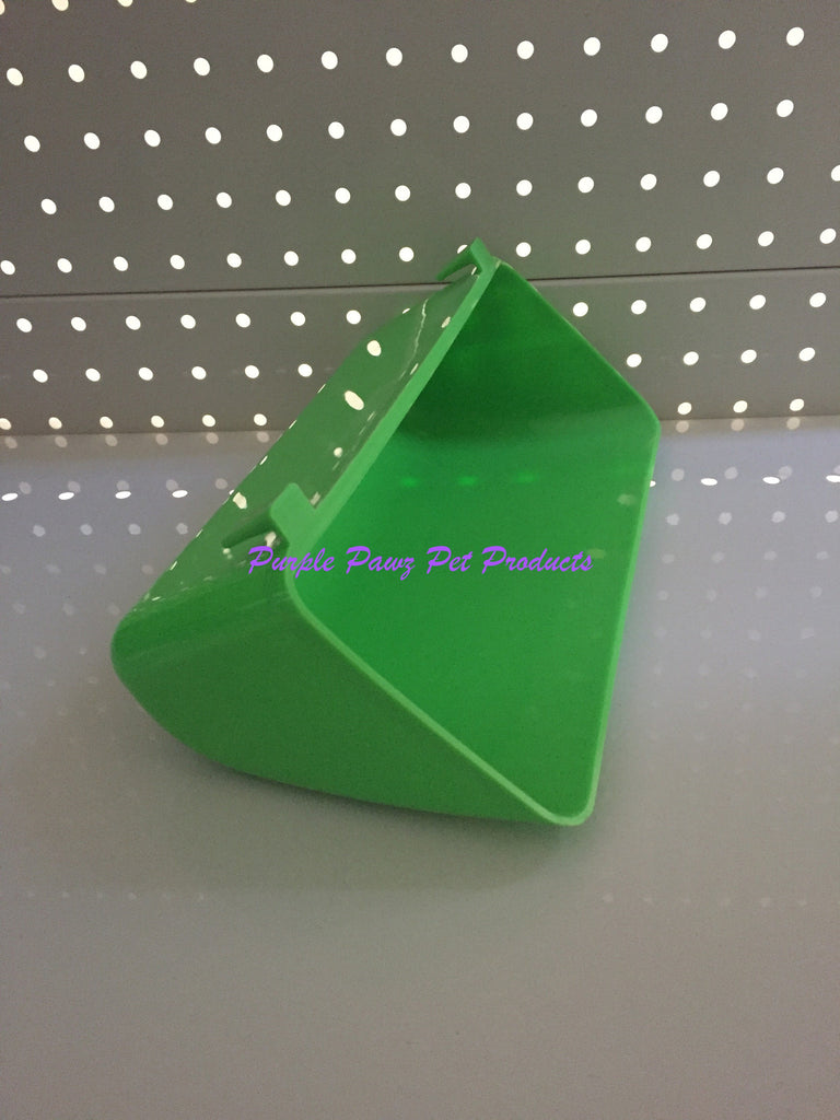 ~BIRD/PET TROUGH FEEDER GREEN 24.5CM x 7CM~