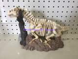 ~DINOSAUR SKELETON / AQUARIUM ORNAMENT / 27CM x 12CM x 18CM~