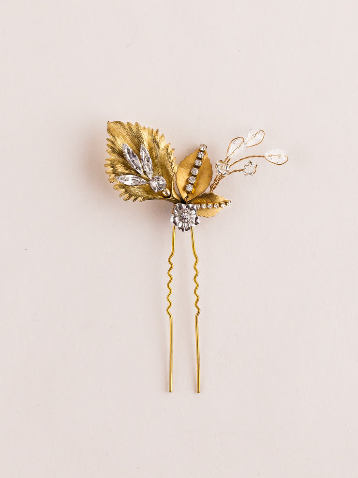 Hong Kong Wedding Headpiece | SHAYE - Petite Gold Leafy Hairpin | Hong Kong Handmade Wedding Accessories, Bridal Headpiece and Earrings | Down The Aisle Atelier