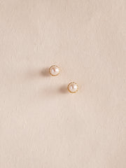 KAYE - Pearl Studs Earrings