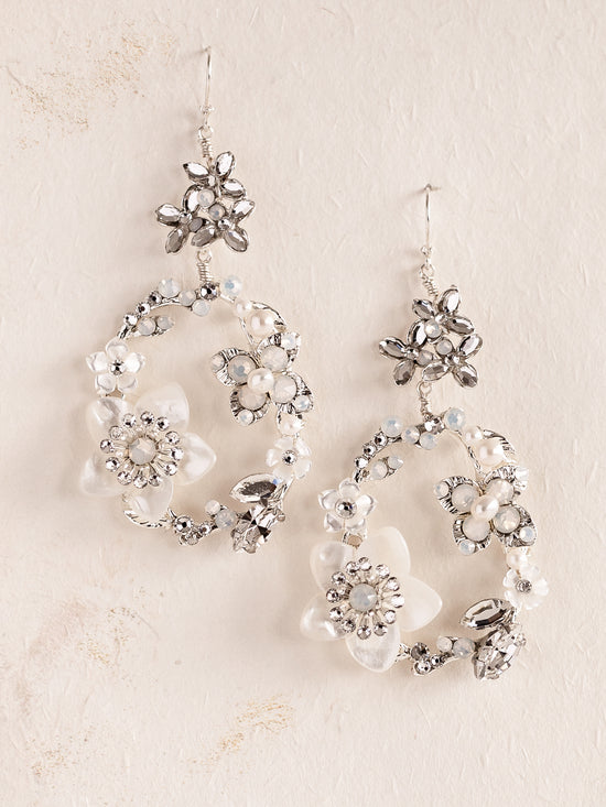 LILLY - Sparkling Chandelier Earrings
