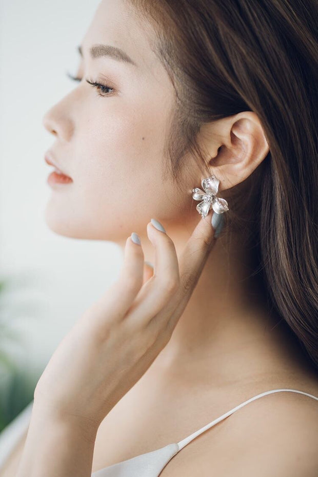 EDEN Earrings *Available in Pearlised White and Silver*
