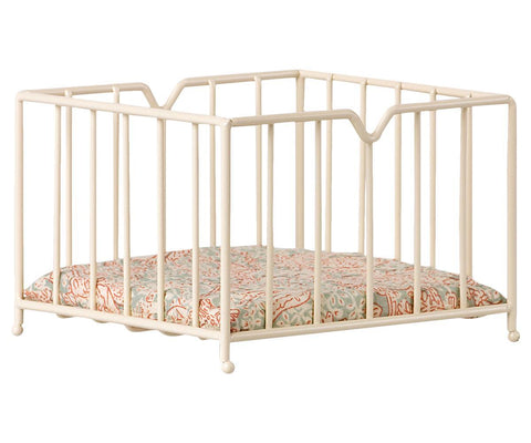Maileg Micro Playpen Metal Off White Paisley Mattress