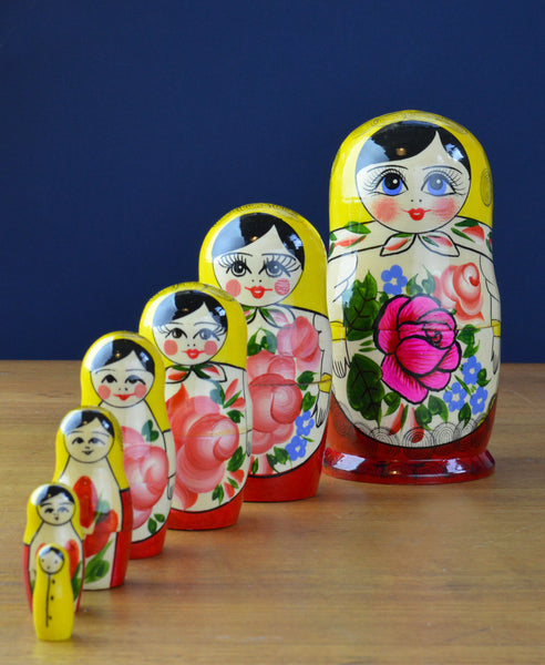 Peterhof: Hand Crafted Wooden 7 Piece Babushka. Yellow/Red. 17cm