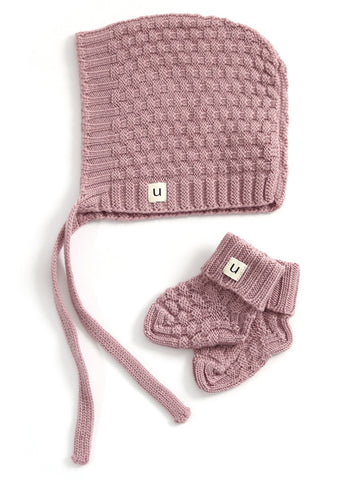Uimi Bellamy Basket Weave Stitch Merino Hat and Bootie Set:Rosewood Size 00