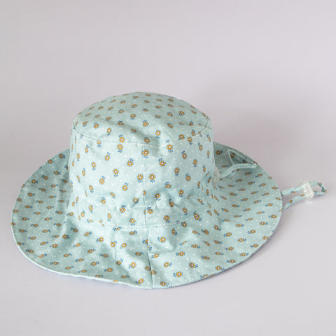 Pretty Wild Charlie Summer Hat Blue Yellow Floral w/ White Stars