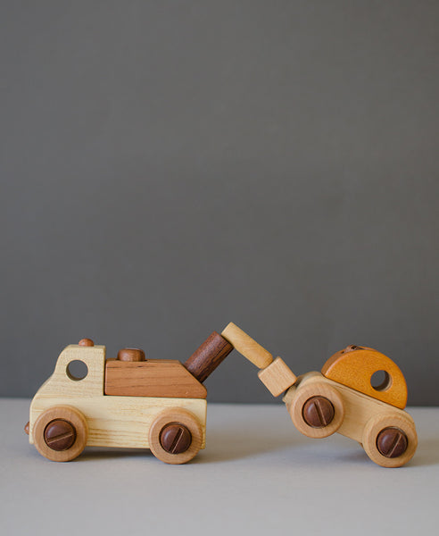 Soopsori Wooden Cars with Tool Kit