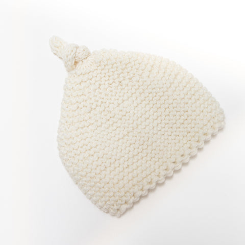 Knitted by Nana Beanie: Cream 3-9M