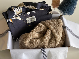 Stork Shopper & Snuggly Scarf Gift Box