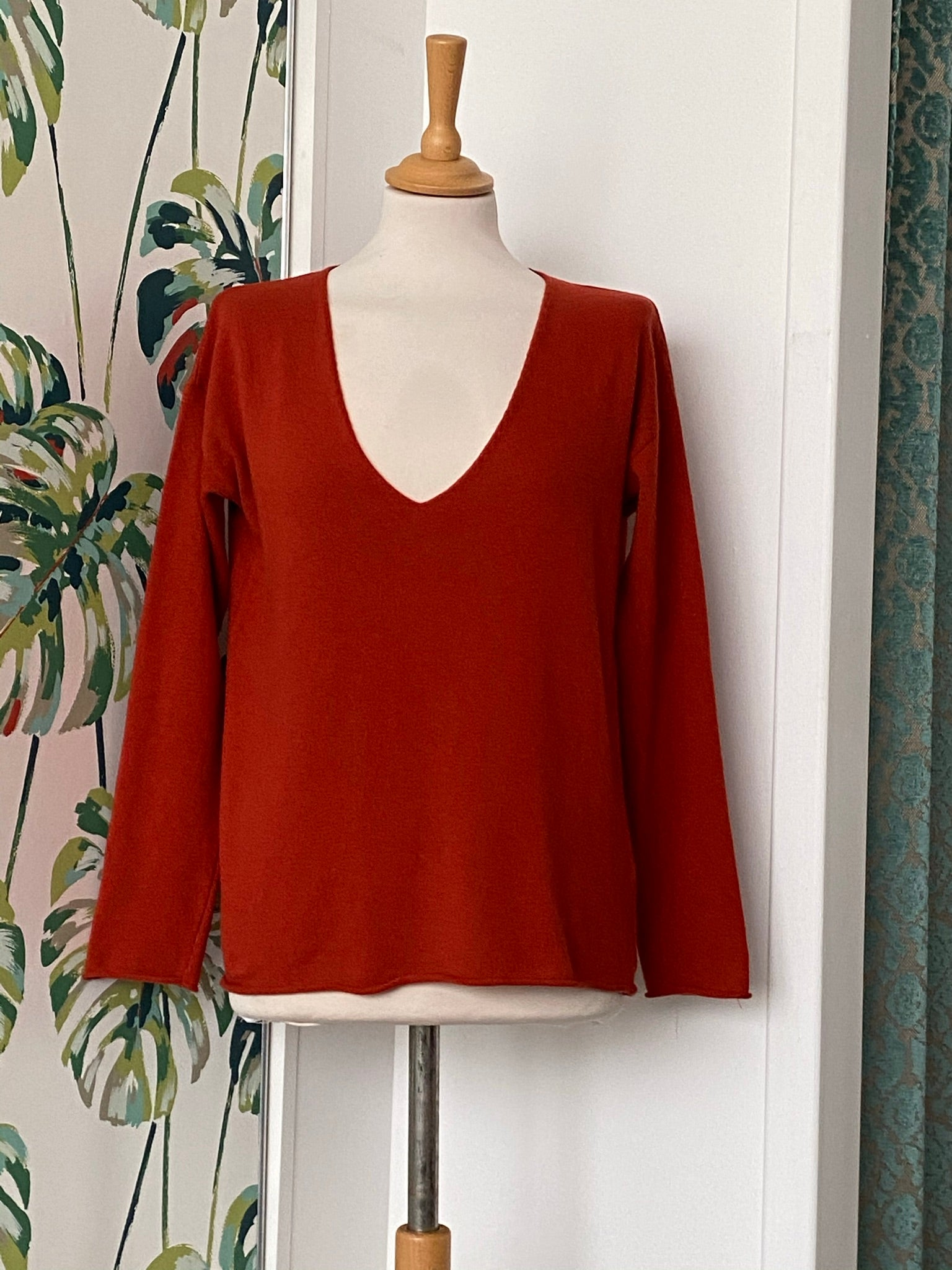 EseOEse V Neck Sweater - REDUCED