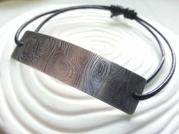 Wood Grain Engraved Men's Bracelet- Engraved Aluminum and Leather Bracelet