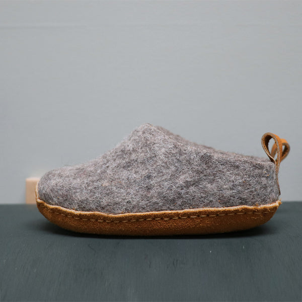 Hand made seamless felt wool slippers