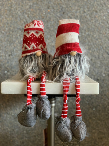 SET OF 2 SITTING GNOMES WITH PUFF