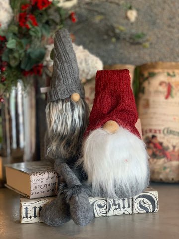SET OF 2 SWEATER HAT GNOMES