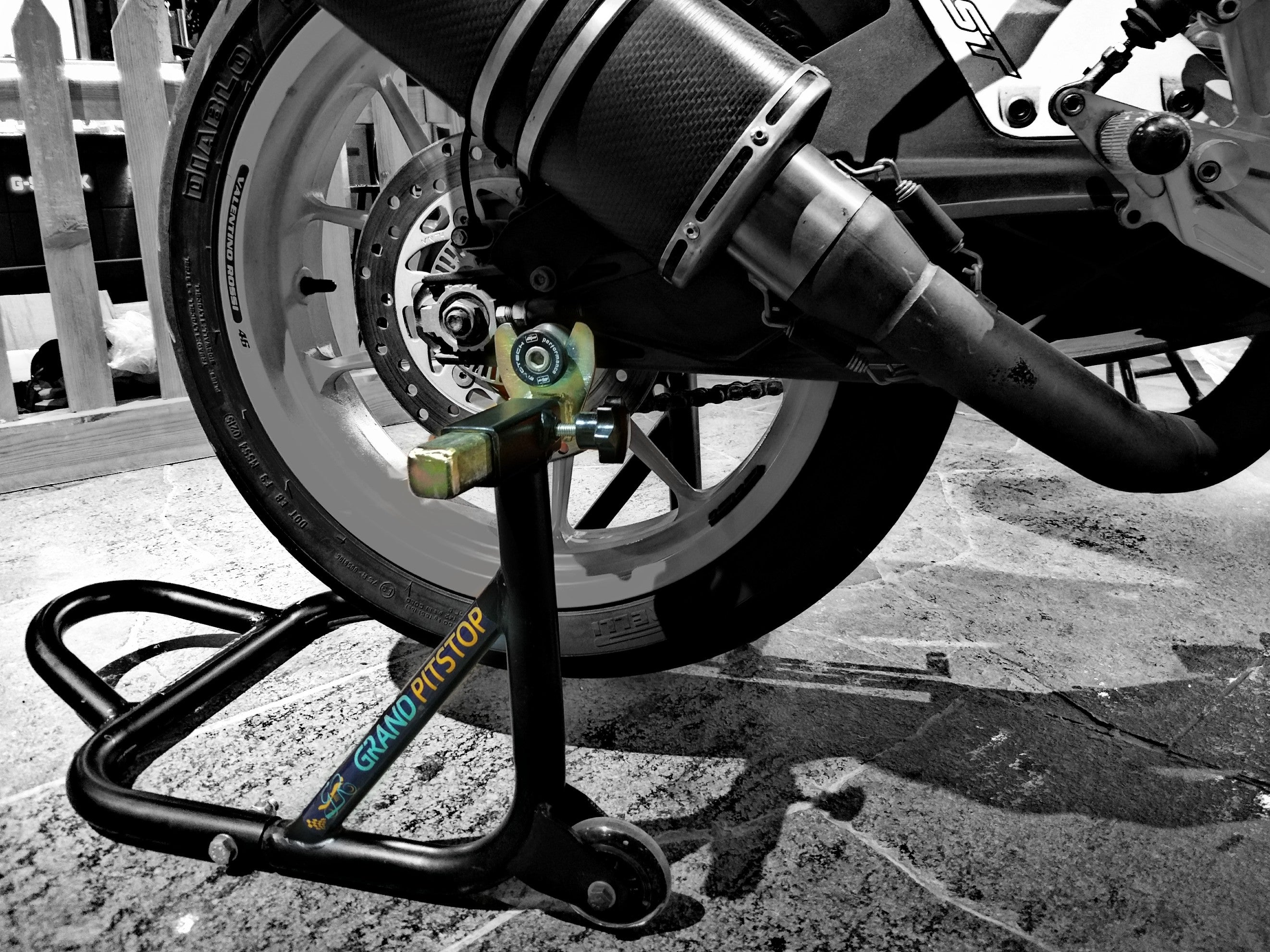 rear paddock stand both spool and non spool motorcycles grandpitstop