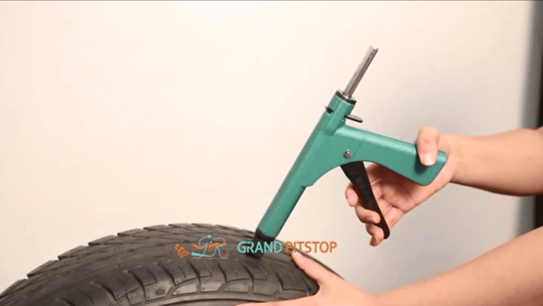 Grand Pitstop Gunkit To Repair You Tubeless Tyre Puncture With Zero Efforts For All Car And Bikes