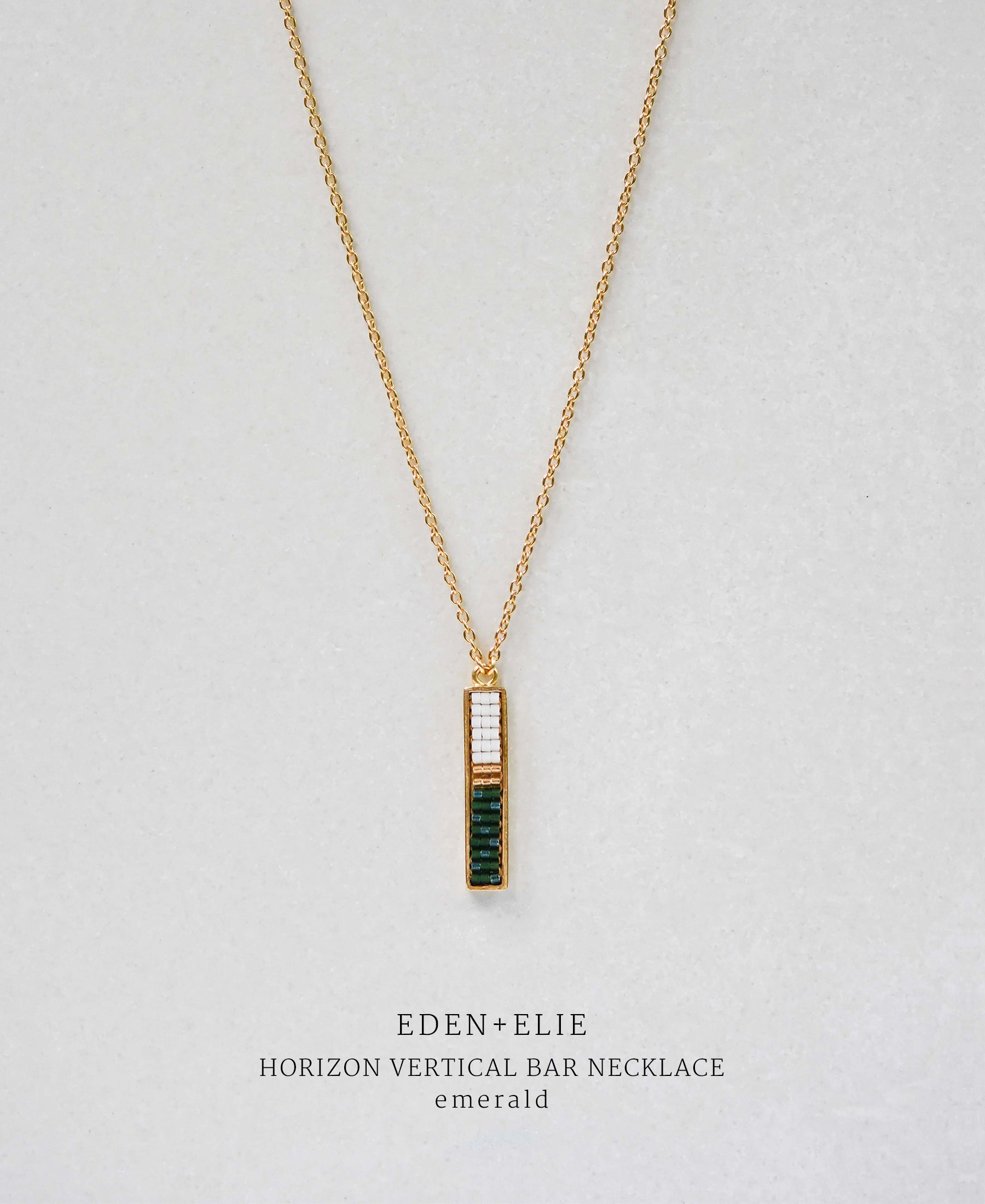 EDEN + ELIE Horizon Vertical bar necklace - emerald green