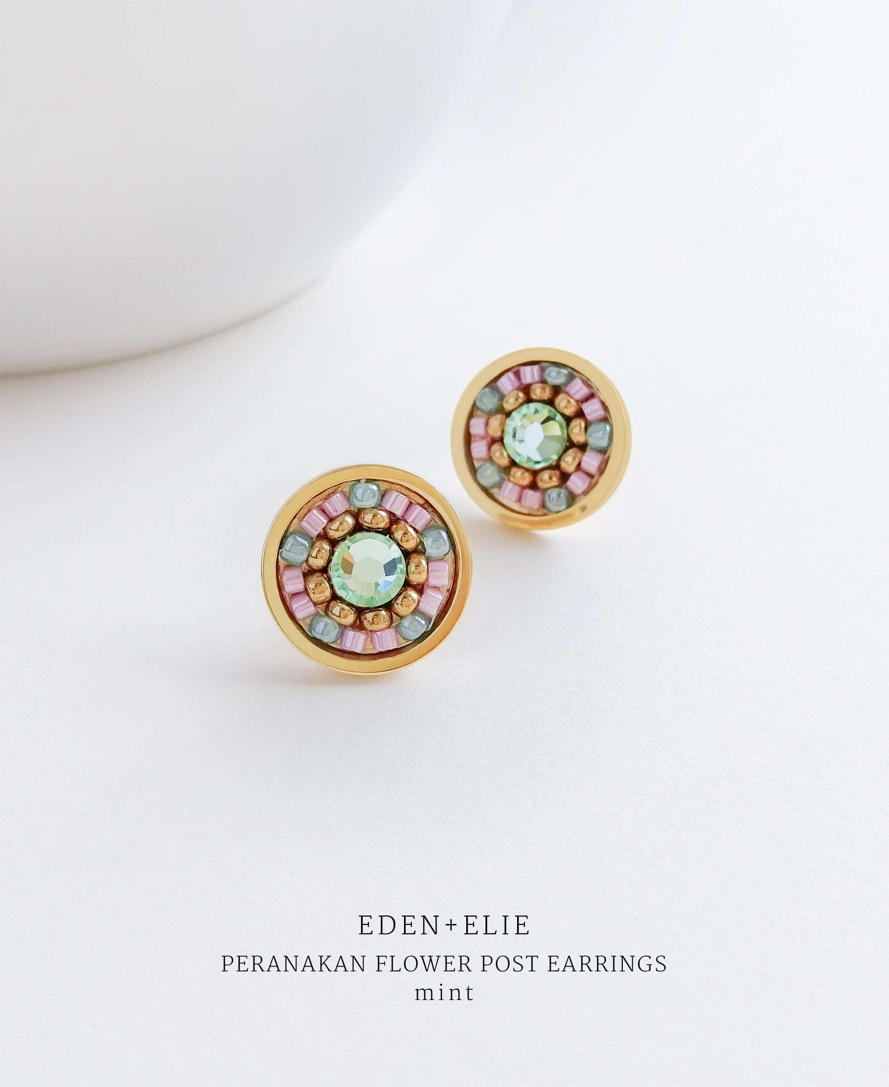 EDEN + ELIE Modern Peranakan flower stud earrings - mint