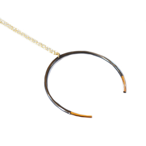 Glamrocks Crescent necklace