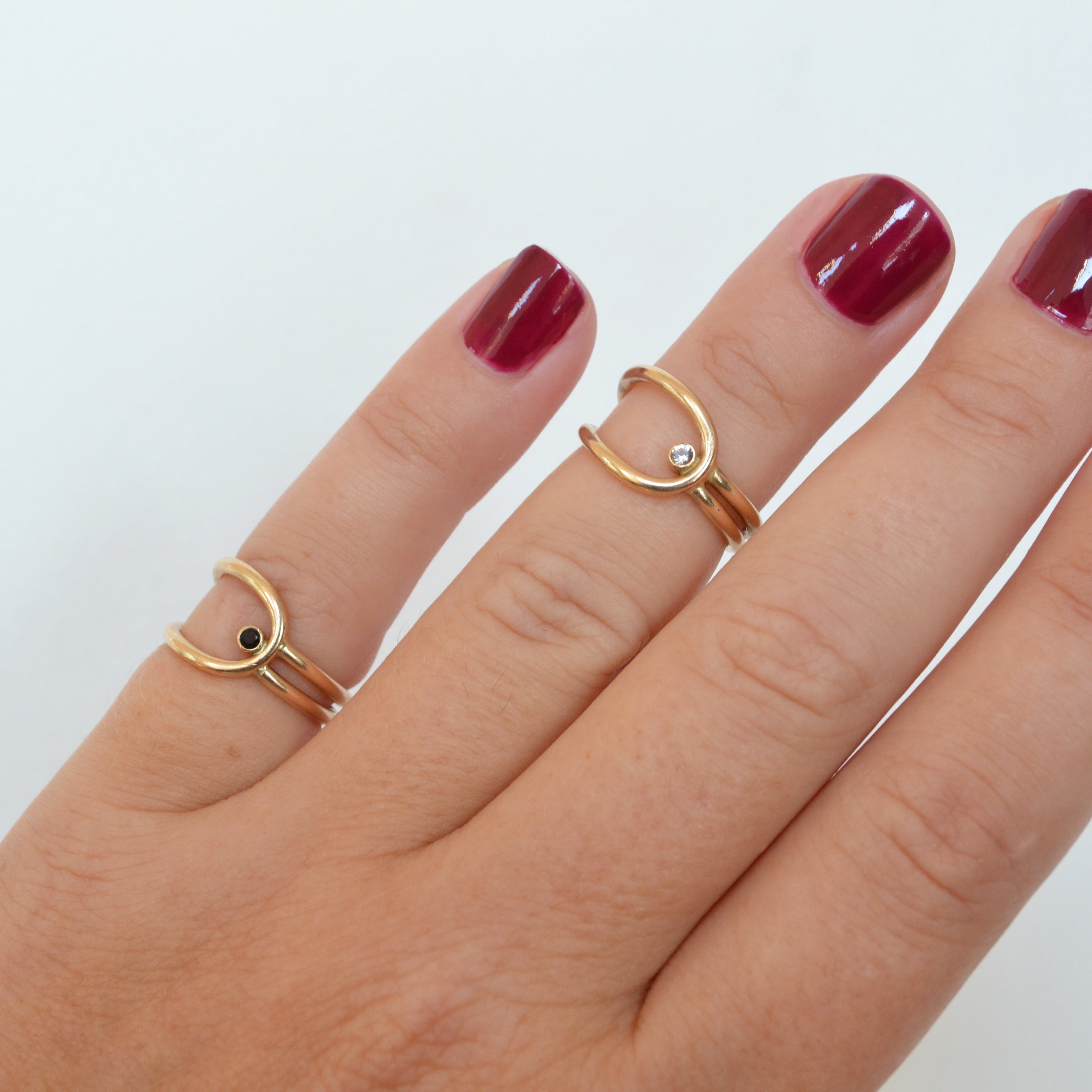 Lasso Ring in Black Spinel, Gold or Silver