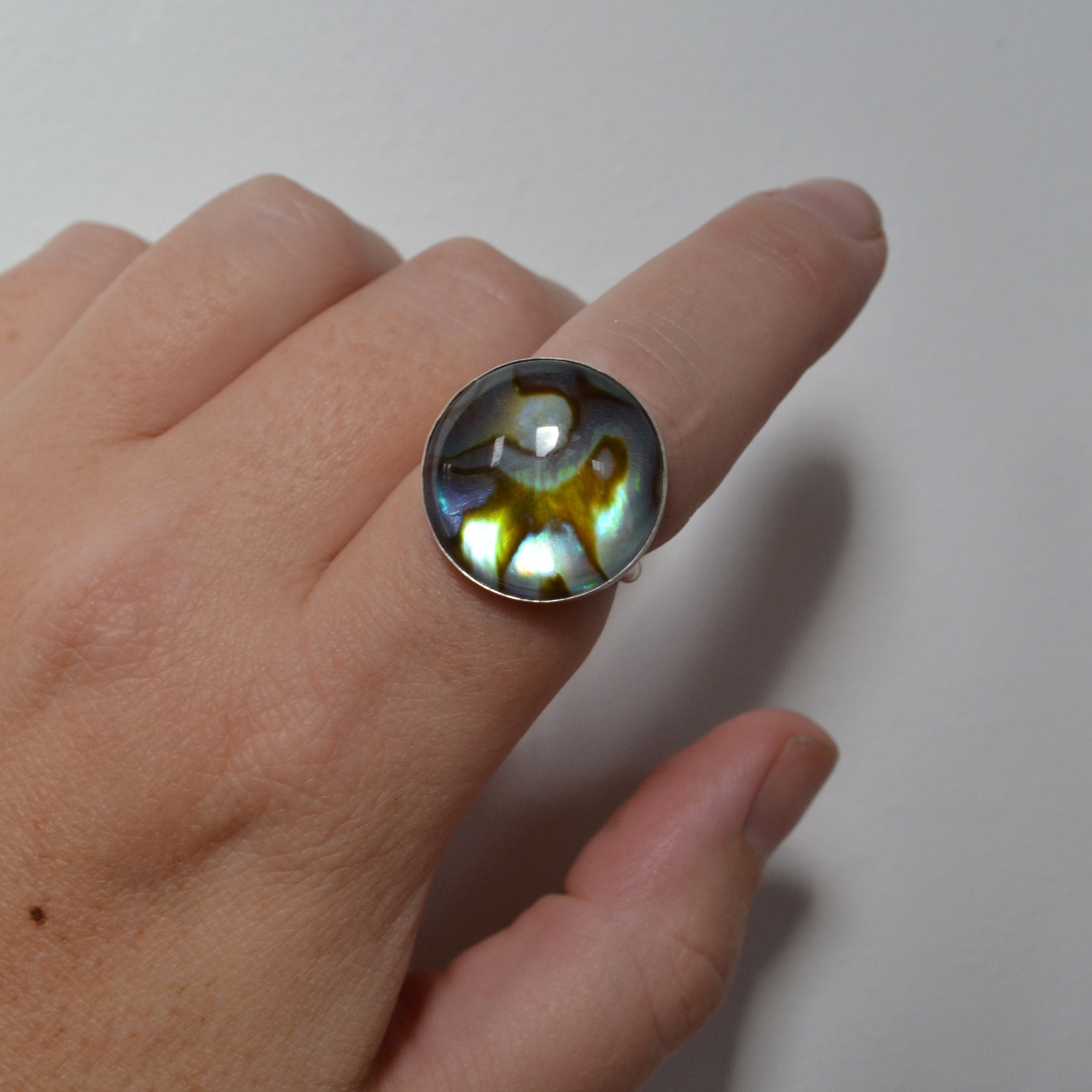 Shell Quartz Ring