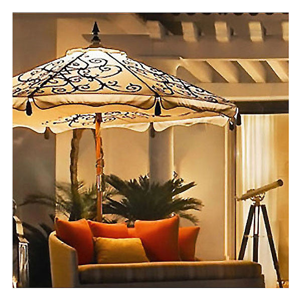 Hand-painted Alura patio umbrella in Natural with lighting package
