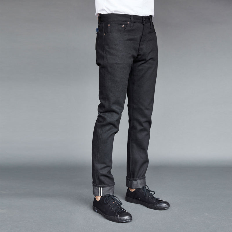 SLIM FIT - Selvedge Denim Jeans - Black Raw