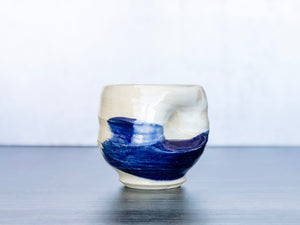 Yunomi mug blue, white and tan