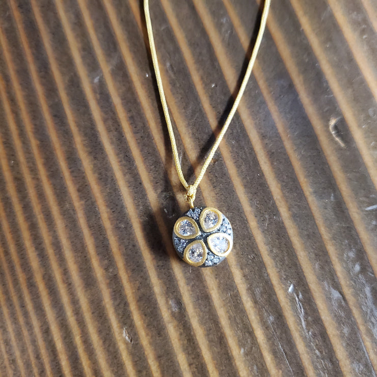 GOLD CORDED PENDANT NECKLACE