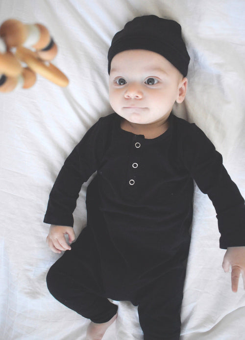 BOYS BLACK THREE SNAP ROMPER! (0/3 M - 3T)