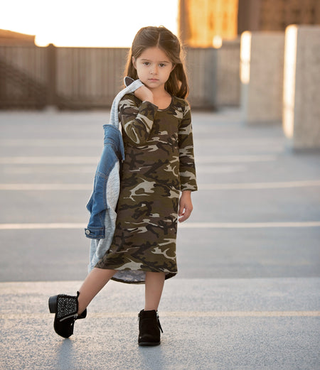 Girls Camo Three Snap Romper