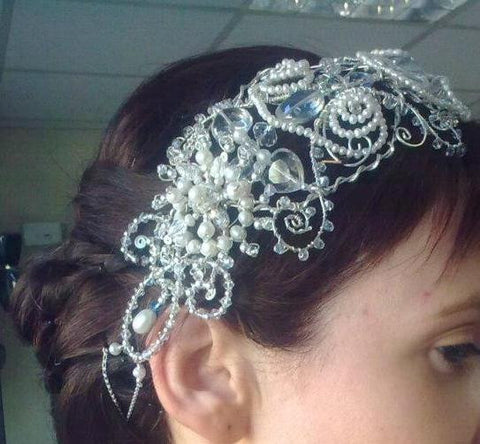 Sterling silver and freshwater pearls hair piece.