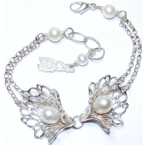 Petals & Pearls Jewellery Set Gossamer bracelet handcrafted by Elena.