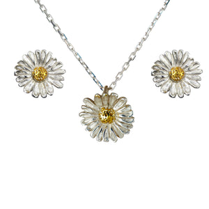 Oops a Daisy jewellery set with a pendant snd stud earrings.