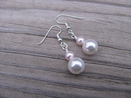 Pearl and Pale Pink Beaded Earrings